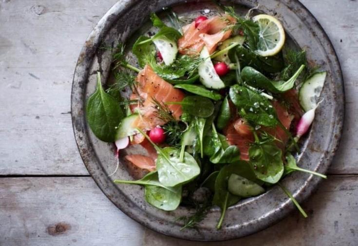 8 полезных диетических салатов без майонеза