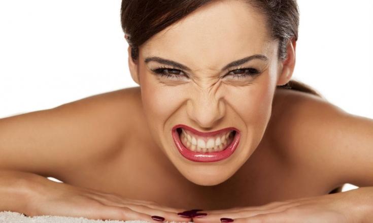 «Болезнь бизнесменов» – бруксизм: как избавиться от зубовного скрежета