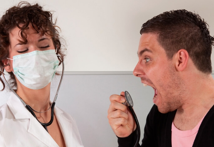 Права и обязанности врачей и пациентов: что делать, если врач отказывает в лечении