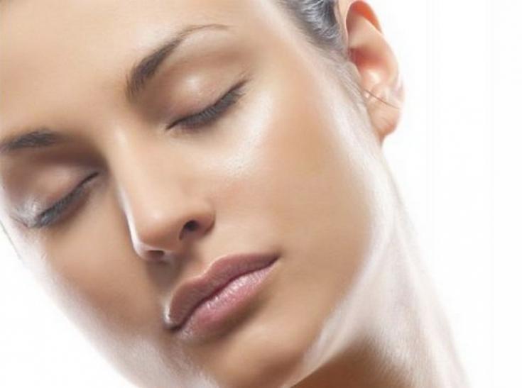 Инновационный спрей для ухода за кожей после косметологических процедур