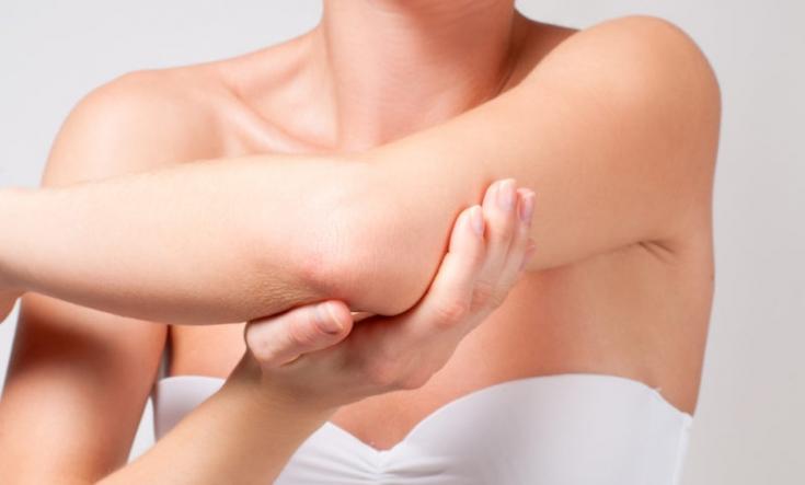 Как добиться гладкой кожи на локтях: преимущества кислотного пилинга