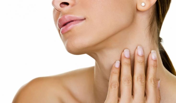 Как убрать морщины на шее: косметические и хирургические возможности