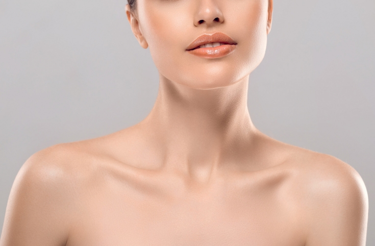 Молодость на все 100%: восстанавливающий уход для кожи шеи и декольте