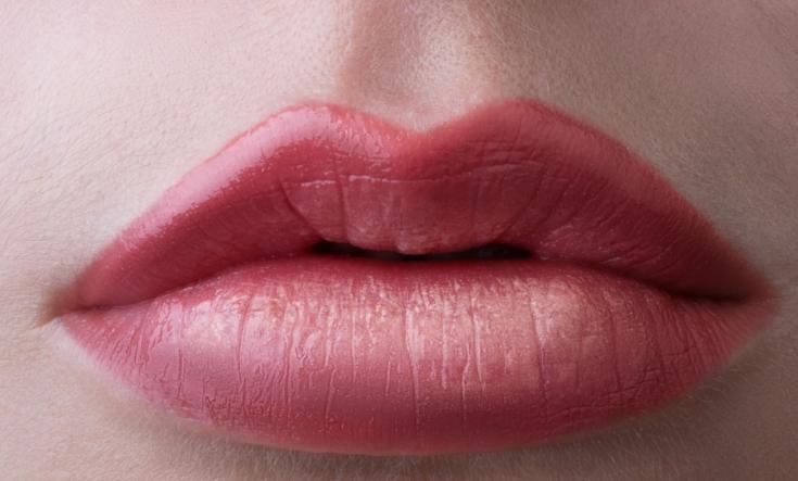 Перманентный макияж губ: уход после нанесения тату
