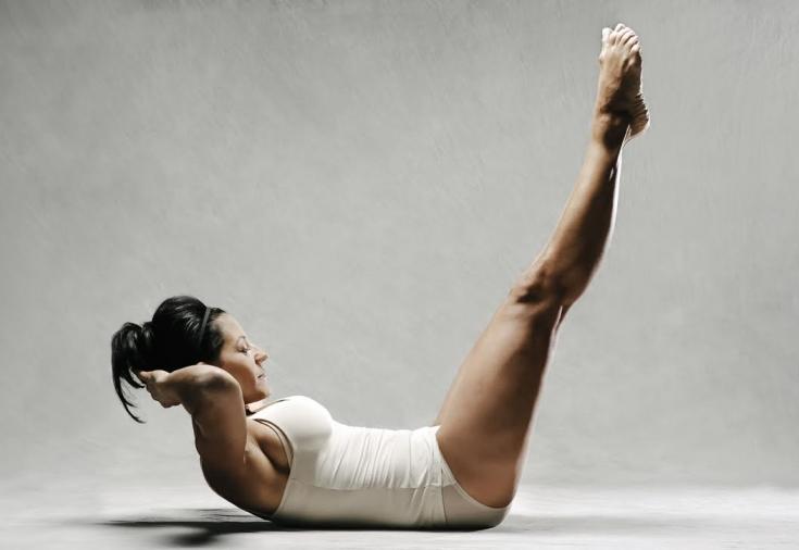 Гимнастика пилатес для позвоночника: упражнения для шеи и спины с видео уроками