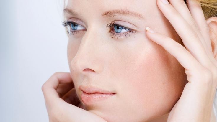 Профессиональная процедура AQUATHERM: уход за чувствительной кожей