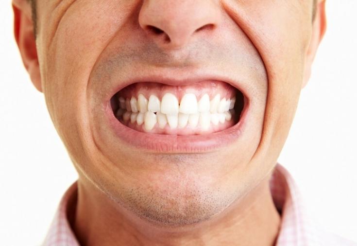 что происходит с зубами под винирами
