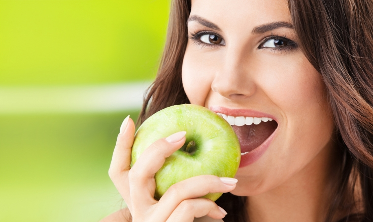 Топ-4 продукта для белоснежной улыбки