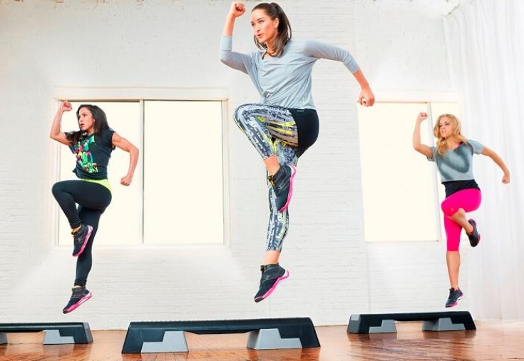 Аэробика для похудения в домашних условиях. Видео для начинающих: степ, танцевальная, фитнес аэробика для женщин, классическая. Отзывы и результаты