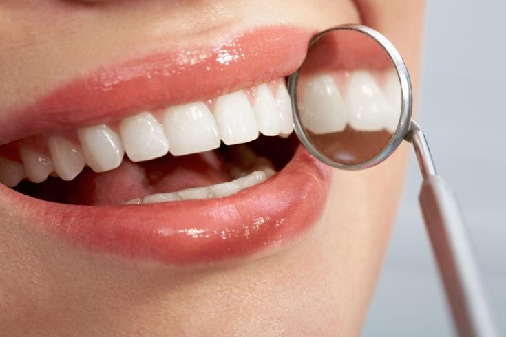 Воспаление тканей вокруг зубного имплантата: причины и прогнозы