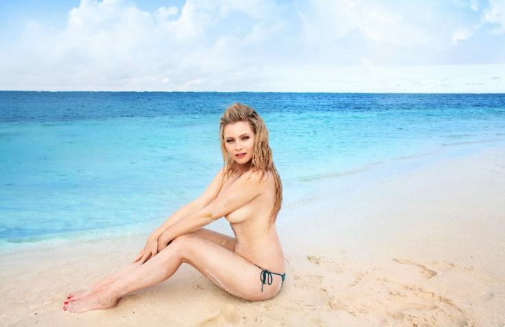 Вредно ли загорать на пляже топлес