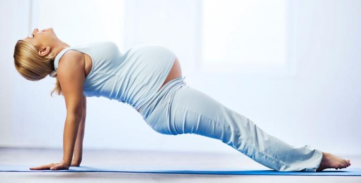 Йога во время беременности: польза или вред