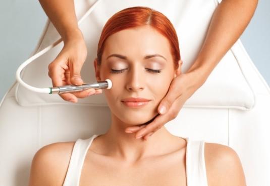 Аппаратная косметология: стоит ли прибегать к этому методу