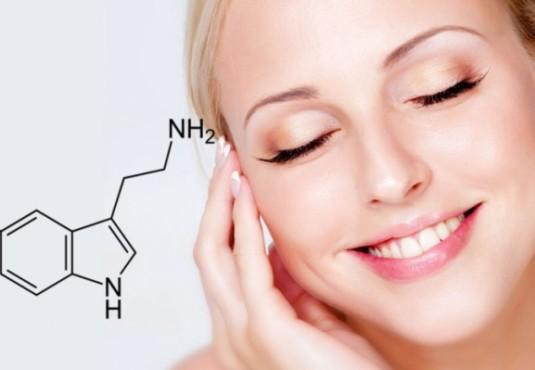 Гормон счастья: влияние уровня серотонина в организме на кожу