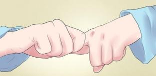 privychka-khrustet-paltsami-vernyj-sposob-zarabotat-artrit