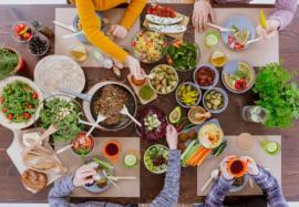 7 правил полезного обеда: что и как есть, чтобы не поправляться