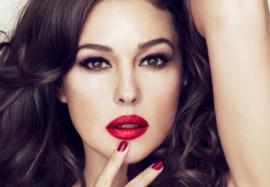 Берем на вооружение: секреты красоты от известных женщин