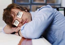 Как быстро взбодриться: 5 способов побороть сонливость без кофе