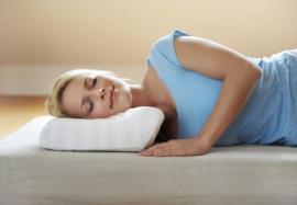 Как выбрать ортопедическую подушку: на что обратить внимание