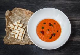 Какой детокс-суп поможет привести фигуру в порядок: 5 простых рецептов