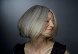 Коса до пояса: почему наши волосы стареют