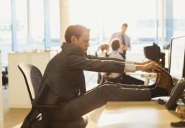 Малоподвижный образ жизни: как не набрать лишний вес на офисной работе