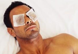 Мешки под глазами: почему появляются и как их избежать