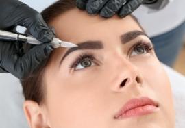 Нанонапыление бровей: процедура, которая оставляет позади татуаж и микроблейдинг