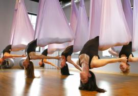 Новый тренд – флай-йога: рожденный ползать может и летать