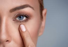 Омоложение области вокруг глаз: возможности и результаты работы филлерами ГК