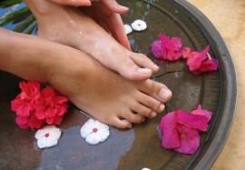 Парафинотерапия в домашних условиях для рук, ног и лица