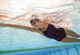 Плавание в бассейне для женщин: польза и советы новичкам
