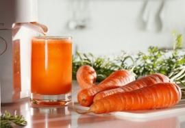 Польза морковного сока: 10 причин начать его пить каждый день