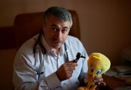 Советы доктора Комаровского: оказываем помощь при пищевых отравлениях