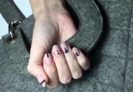 Татуировки на ногтях: новый тренд для любителей минимализма