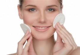 Вакуумная чистка лица: плюсы и минусы процедуры
