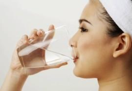 Водная терапия доктора Ферейдуна Батмангелиджа: вымойте болезни из организма