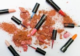 Вред косметики: 7 ингредиентов, которые опасны для вашего здоровья