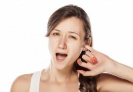 Закладывает уши: причины неприятного симптома